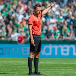 Buzndesligaschiedsrichter Sven Jablonski im Weser-Stadion