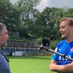 """""""So ist dann Fußball"""", bilanzierte unser Kapitän Kilian Lammers (r.) am Mikrofon von """"LateNight - Der Fußball Talk"""" die Niederlage beim Bremer SV (Foto: LateNight)."""